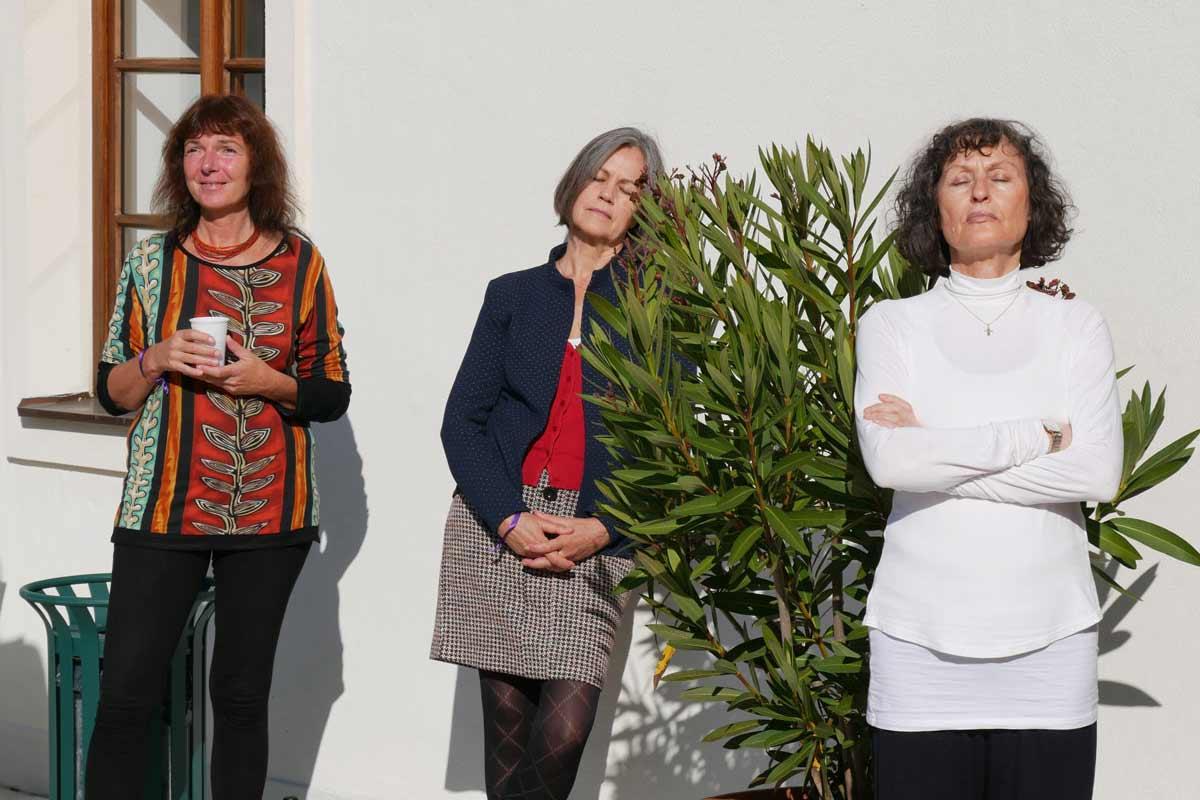 3 Ladys Meditation